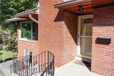 Kettering Single Family Home For Sale: 2433 Adirondack Trail