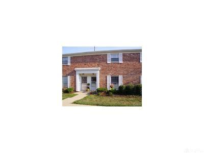 Dayton Condo/Townhouse For Sale: 849 Clareridge Lane