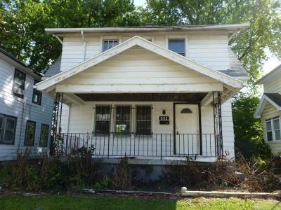 Dayton Single Family Home For Sale: 552 Evergreen Avenue