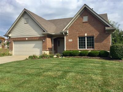 Dayton Single Family Home For Sale: 1755 Country Corner Lane