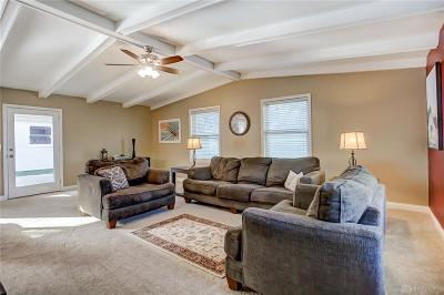 Dayton Single Family Home For Sale: 8 Grantwood