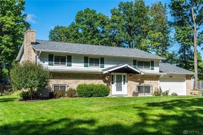 Beavercreek Single Family Home For Sale: 1859 Willowgreen Drive