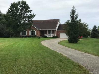 Huber Heights Single Family Home Active/Pending: 6871 Bellefontaine Road