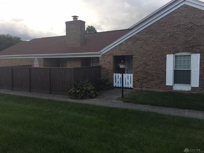 Fairborn Condo/Townhouse For Sale: 2405 Rona Village Boulevard