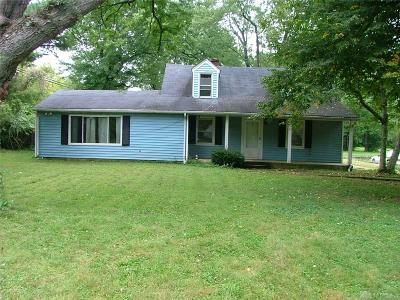 Dayton Single Family Home For Sale: 84 Meadow Drive