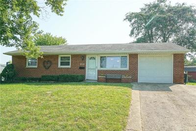 Dayton Single Family Home For Sale: 680 Granville Place