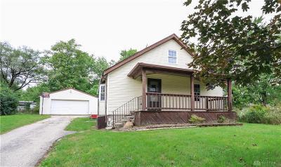 Dayton Single Family Home For Sale: 117 Cherokee Drive