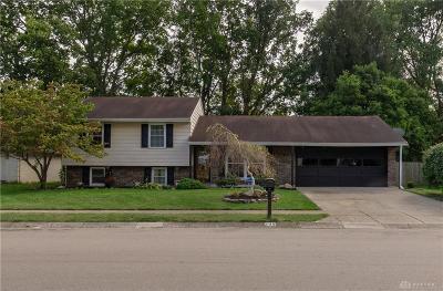Springboro Single Family Home For Sale: 205 Whispering Pines Street