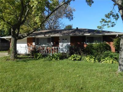 Springboro Single Family Home For Sale: 10 Duncan Court