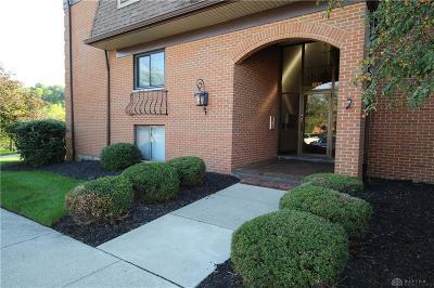 Dayton Condo/Townhouse For Sale: 1610 Thunderbird Lane #64