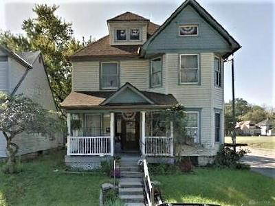 Dayton Single Family Home For Sale: 561 Brightwood Avenue