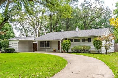 Vandalia Single Family Home For Sale: 620 Mariclaire Avenue