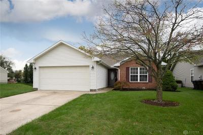 Miamisburg Single Family Home Active/Pending: 2448 Miami Village Drive