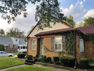 Dayton Single Family Home Active/Pending: 1943 Haverhill Drive