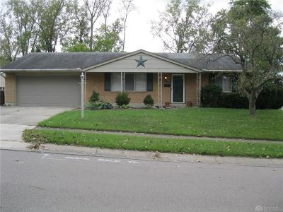 Miamisburg Single Family Home Active/Pending: 1722 Bayberry Drive