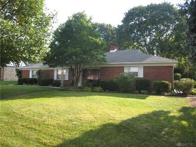 Kettering Single Family Home For Sale: 4050 Breckenridge Road