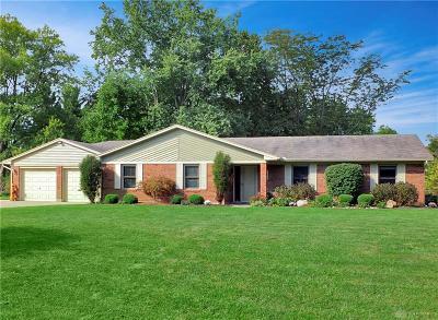 Beavercreek Single Family Home Active/Pending: 1405 Betty Drive