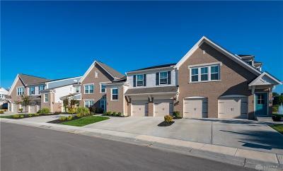 Springboro Condo/Townhouse For Sale: 285 Waterhaven Way #11-301