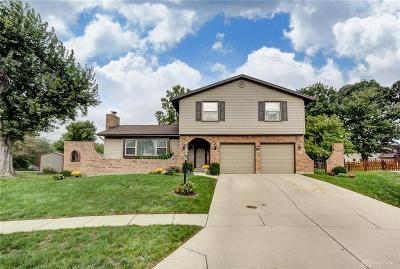 Dayton Single Family Home Active/Pending: 5425 Ogletree Court