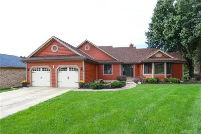 Springboro Single Family Home For Sale: 305 Tanglewood Drive