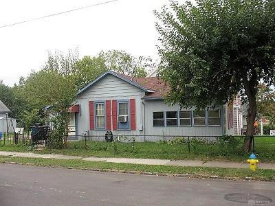 Dayton Single Family Home For Sale: 143 Glencoe Avenue