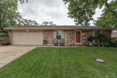 Miamisburg Single Family Home Active/Pending: 2443 Windsor Village Drive