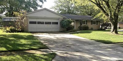 Vandalia Single Family Home For Sale: 1072 Romanus Drive