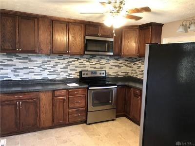 Dayton Single Family Home For Sale: 285 Minty Drive