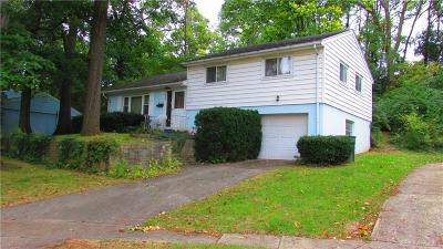 Dayton Single Family Home For Sale: 330 Great Oaks Drive