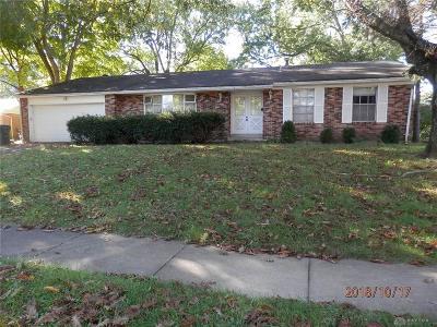 Dayton Single Family Home For Sale: 4557 Sylvan Oak Drive
