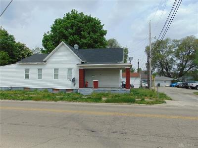 Dayton Single Family Home For Sale: 1209 Chapel Street