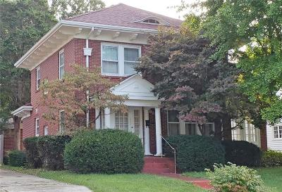 Dayton Single Family Home For Sale: 1526 Olmsted Place
