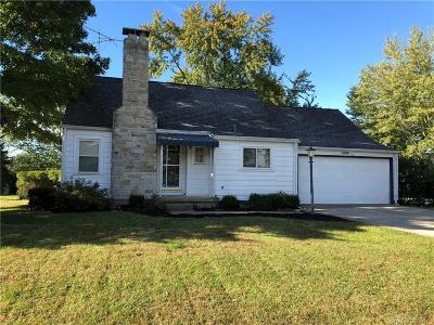 Dayton Single Family Home For Sale: 1904 Sunny Ridge Road