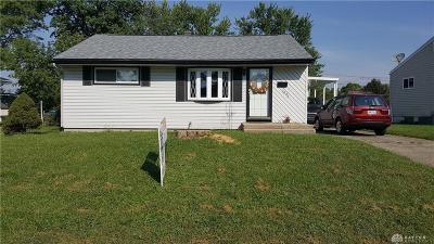 Dayton Single Family Home For Sale: 5965 Willaston Drive