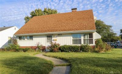 Fairborn Single Family Home For Sale: 439 McIntire Drive