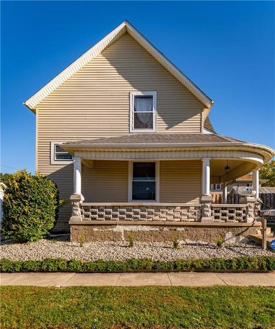 Brookville Single Family Home For Sale: 212 Columbia Street