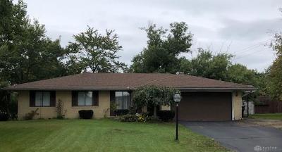 Dayton Single Family Home For Sale: 2200 Bellsburg Drive