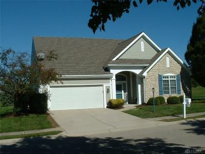 Springboro Single Family Home For Sale: 10 Woodcliff Boulevard