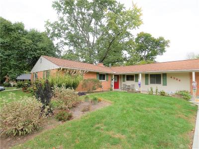 Dayton Single Family Home For Sale: 4384 Jonathan Drive