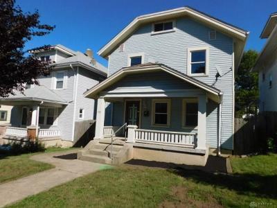 Dayton Single Family Home For Sale: 830 Carlisle Avenue