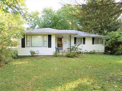 Kettering Single Family Home Active/Pending: 3900 Roslyn Avenue