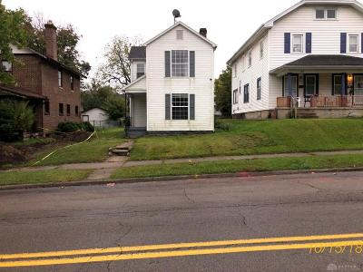 Dayton Single Family Home For Sale: 122 Fairview Avenue