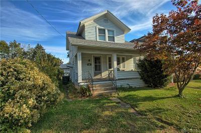 Dayton Single Family Home For Sale: 823 Stewart Street