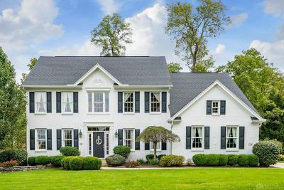 Springboro Single Family Home For Sale: 10 Heatherwoode Circle