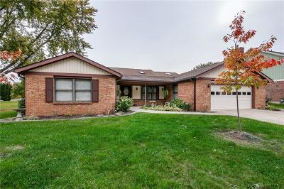 Englewood Single Family Home For Sale: 7232 Pineview Drive