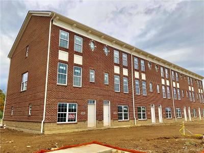 Springboro Condo/Townhouse For Sale: 1202 Parklake Row
