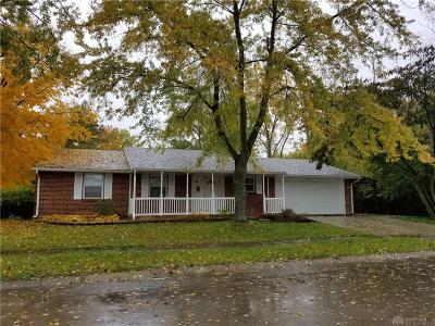 Huber Heights Single Family Home For Sale: 7201 Howland Place
