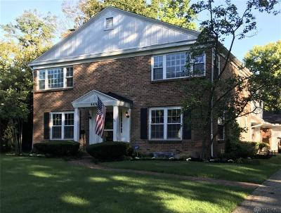 Kettering Single Family Home For Sale: 449 Chatham Drive