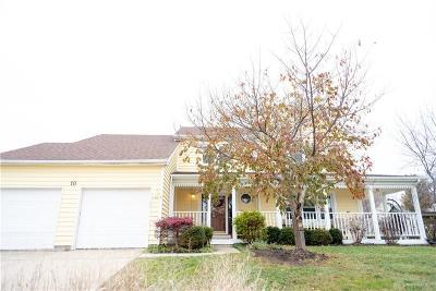 Springboro Single Family Home For Sale: 10 Fairfield Court