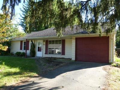 Xenia Single Family Home For Sale: 1803 Roxbury Drive